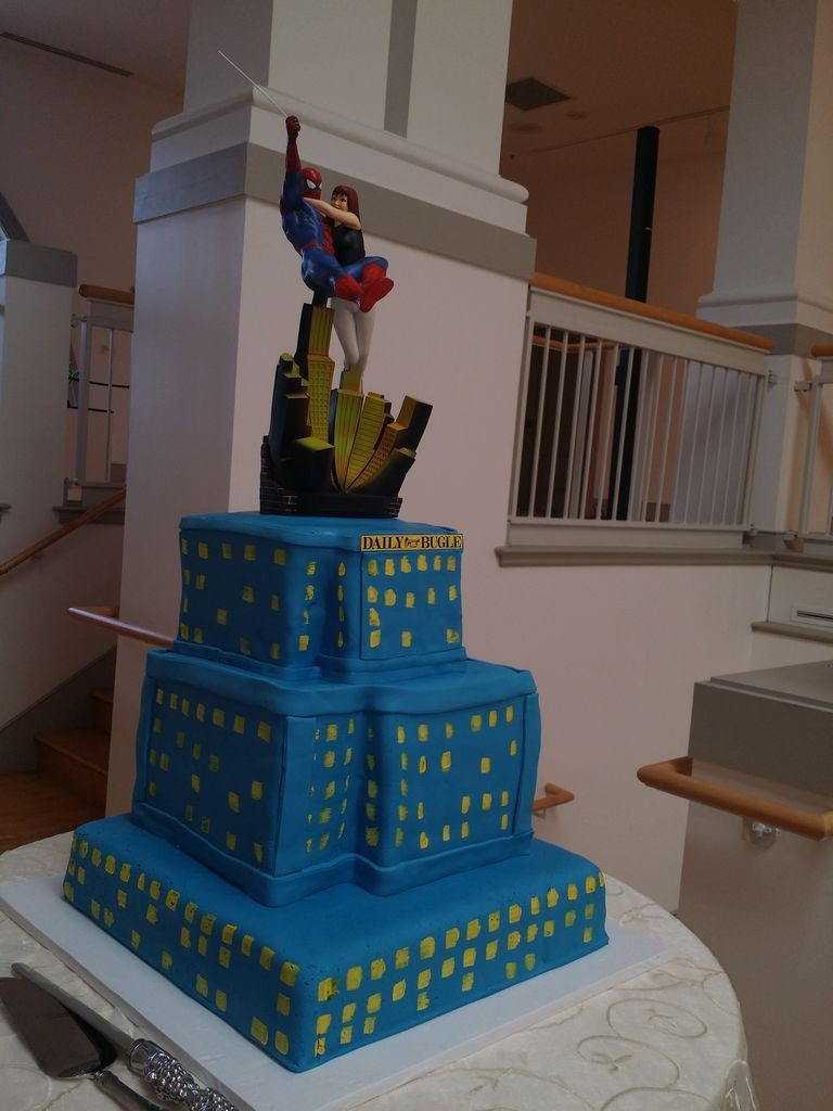 Spiderman, Daily Bugle building, Comic book cakes